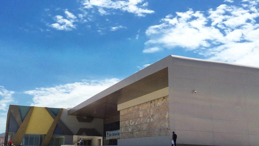 la paz convention center